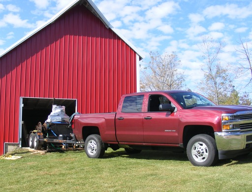 image link-to-2014-10-12-at-barn-with-truck-DSCF1794-sf0.jpg